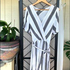 O'Neill White Grey Long Flowy Dress Large
